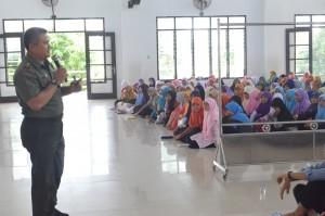 Wawasan Kebangsaan oleh Bpk. Mayor Caj Drs. H.  Zakaria Ansori di Pesantren Ar Raudlatul Hasanah