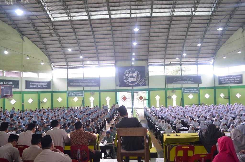 Sambutan Drs. KH. Rasyidin Bina, MA Pada Pembukaan Amaliyah Tadris Pesantren Ar-Raudlatul Hasanah. Medan. Sumatera Utara. Indonesia