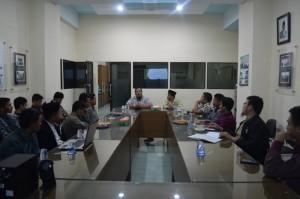 Bapak M. Fauzil Adhim saat mengisi seminar guru di RH