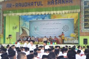 Sambutan sekaligus pembukaan MQK oleh  Bapak. Muhammah Ilyas Tarigan di depan santri/santriwati Pesantren Ar-Raudlatul Hasanah