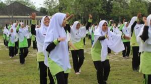 Senam Adalah Salah Satu Olahraga Yang Diperlombakan di Pekan Olahraga dan Seni ( PORSENI ) Pesantren Ar -Raudlatul Hasanah