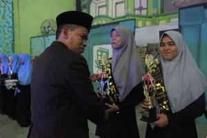 Pemenag Lomba Pidato Bahasa Indonesia Pesantren Ar-Raudhatul Hasanah
