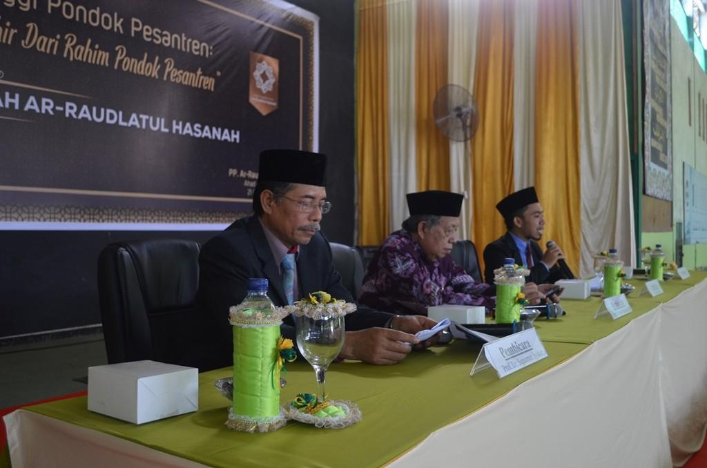 Seminar dari Prof. Suparman Syukur, M.A., Prof. Imam Suprayogo, di moderatori oleh Handika Surbakti, S.H.I di Pesantren ar-Raudlatul Hasanah