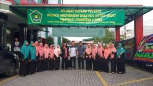 Santri/wati pesantren Ar-Raudlatul Hasanah diutus sebagai perwakilan Kota Medan dalam rangka Seleksi MQK antar kabupaten/kota