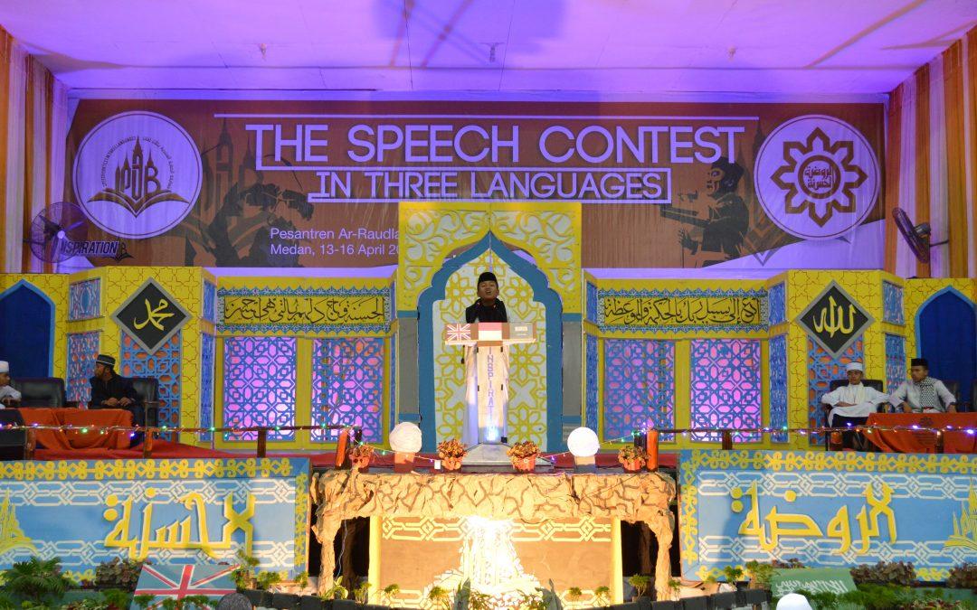 Lomba Pidato Tiga Bahasa di Ar-Raudlatul Hasanah