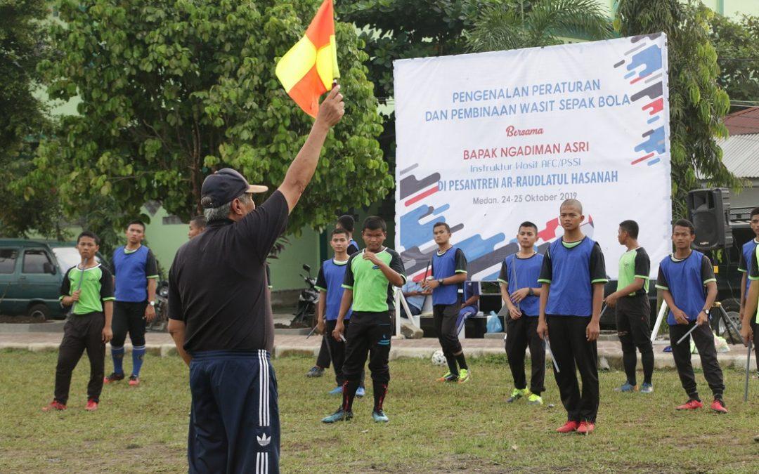 Pelatihan Pengenalan Peraturan dan Pembinaan Wasit Sepak Bola