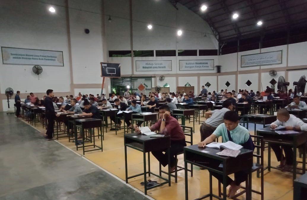 Santri RH Bersiap Menghadapi Ujian Tulis